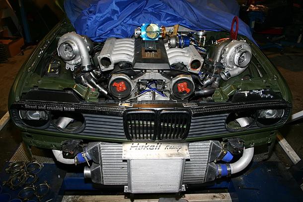 V12 BMW E30